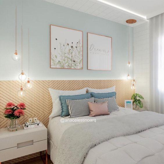 Cores para quarto de casal: cinza e amadeirado.
