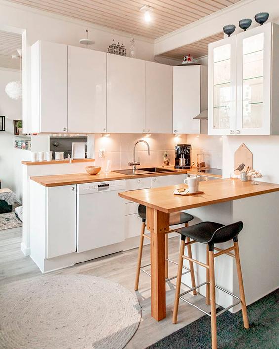 Cozinha americana pequena escandinava tumblr branca com spot de led.