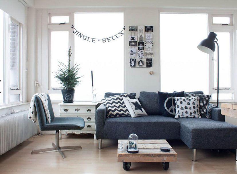 Decoração de natal para sala simples  escandinava preto e branca.