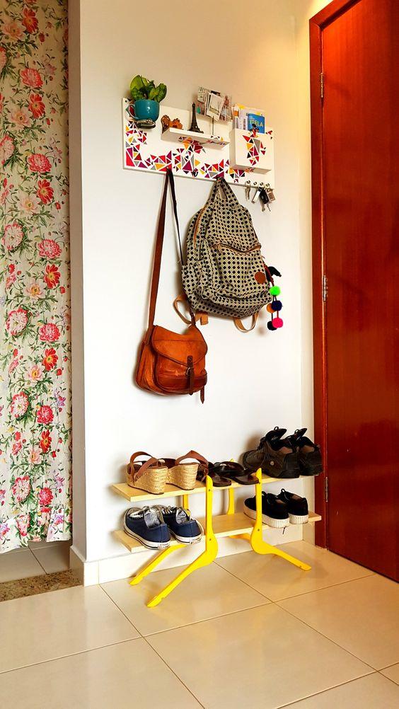 hall de entrada com sapateira moderna