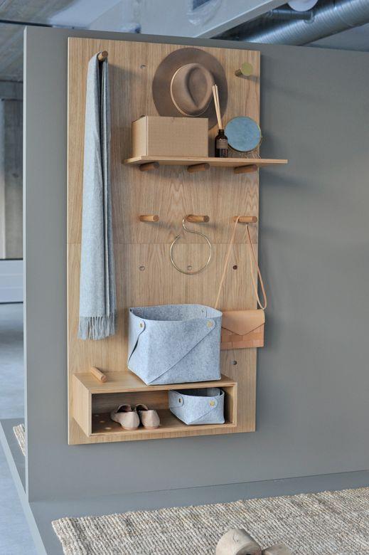 hall de entrada com móvel de madeira planejado