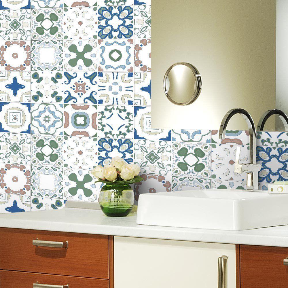 Parede de adesivo  com estampa de azulejo português.