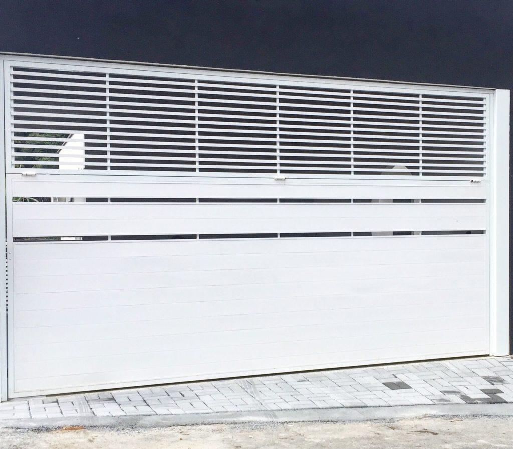 portão bipartido branco de alumínio branco