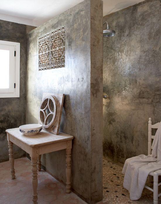 banheiro com box de cimento queimado