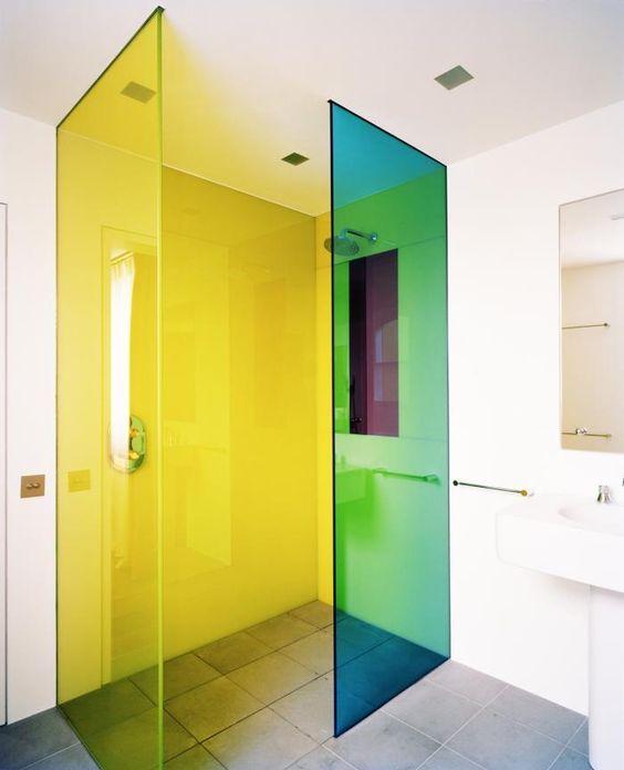 box para banheiro com acrílico colorido
