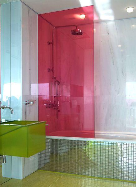 box de banheiro de acrílico colorido