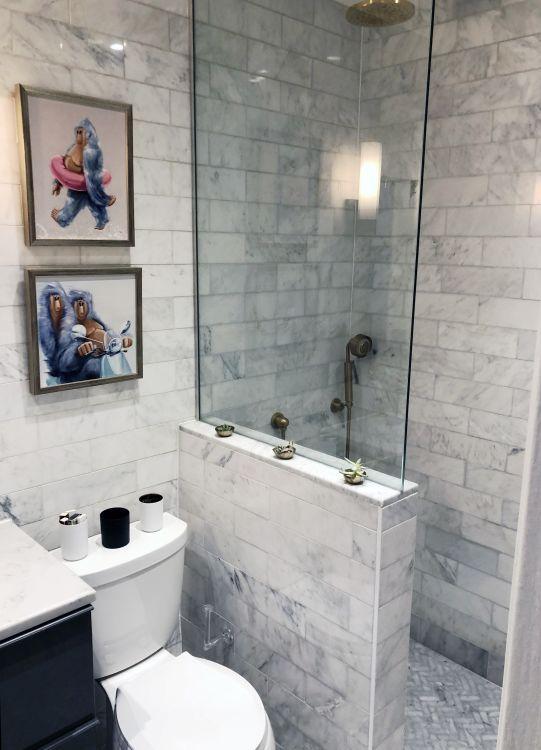 box de banheiro com meia parede