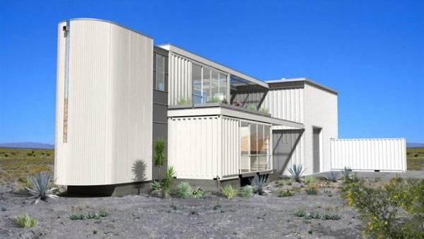 Casa com container na horizontal e na vertical.
