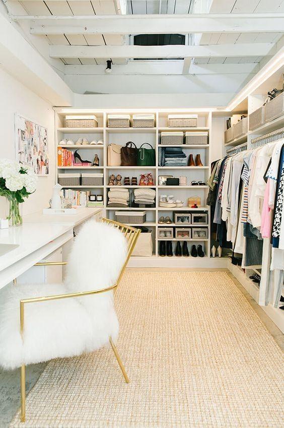 closet  planejado em amdeira