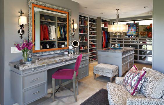 closet planejado de madeira cinza