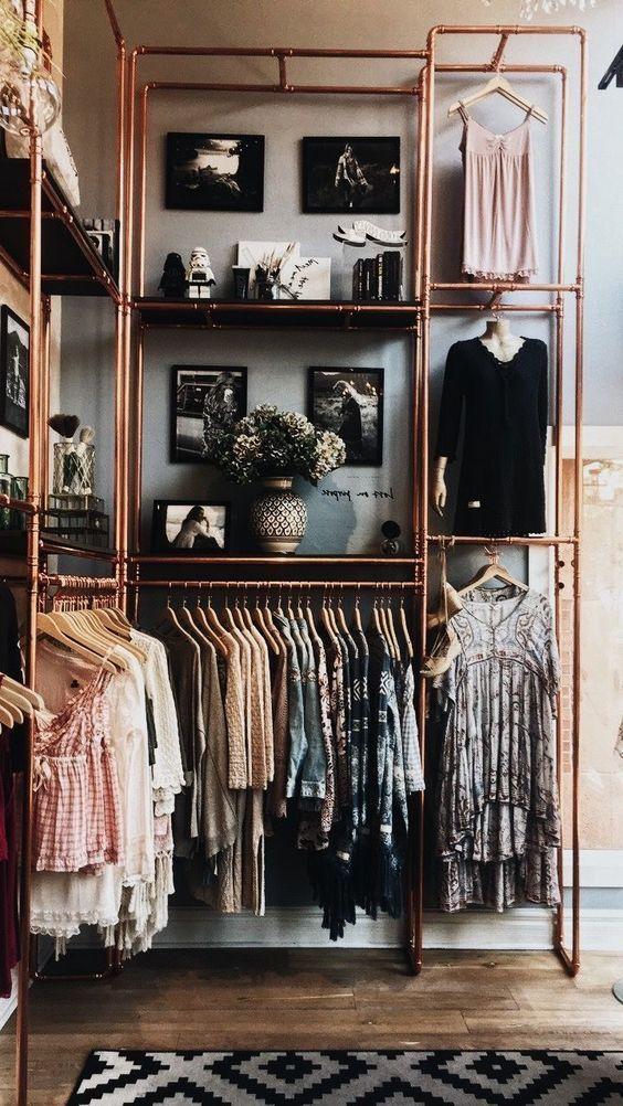 closet moderno feito de canos