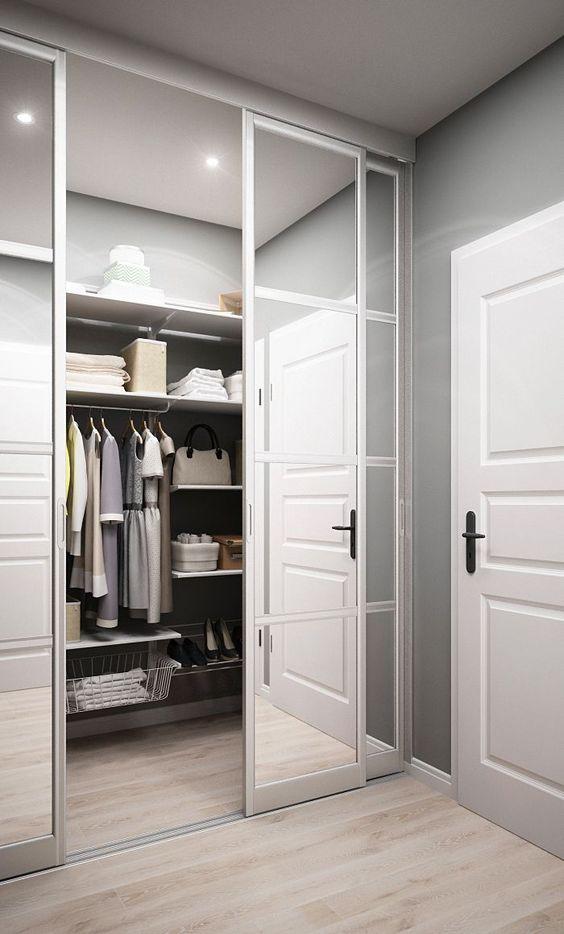 closet com porta de correr espelhada