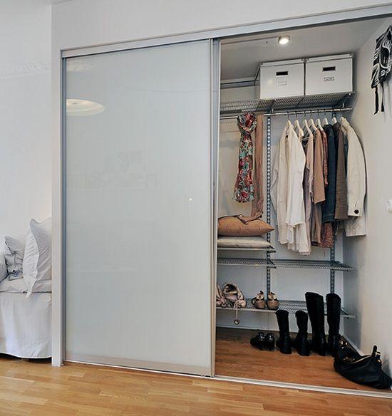 closet com porta de correr de acrílico
