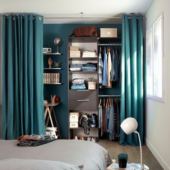 closet planejado com cortina