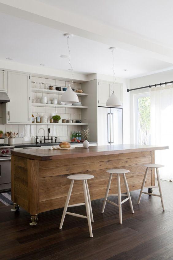 cozinha americana com ilha móvel
