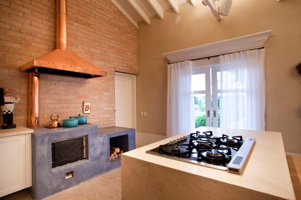 forno e fogão a lenha de cimento queimado