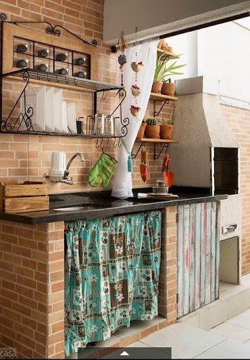 cozinha rústica externa com cortina