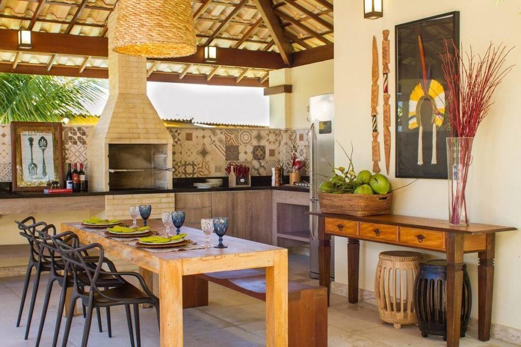 cozinha externa com mesa