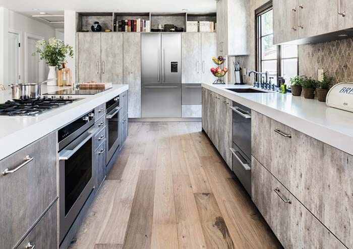 cozinha com bancada de quartzo