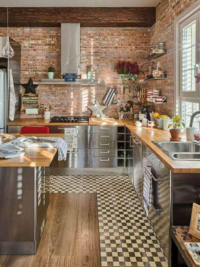 cozinha rústica moderna com inox