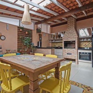 cozinha externa com churrasqueira