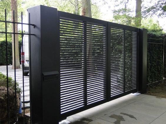 portão preto manual