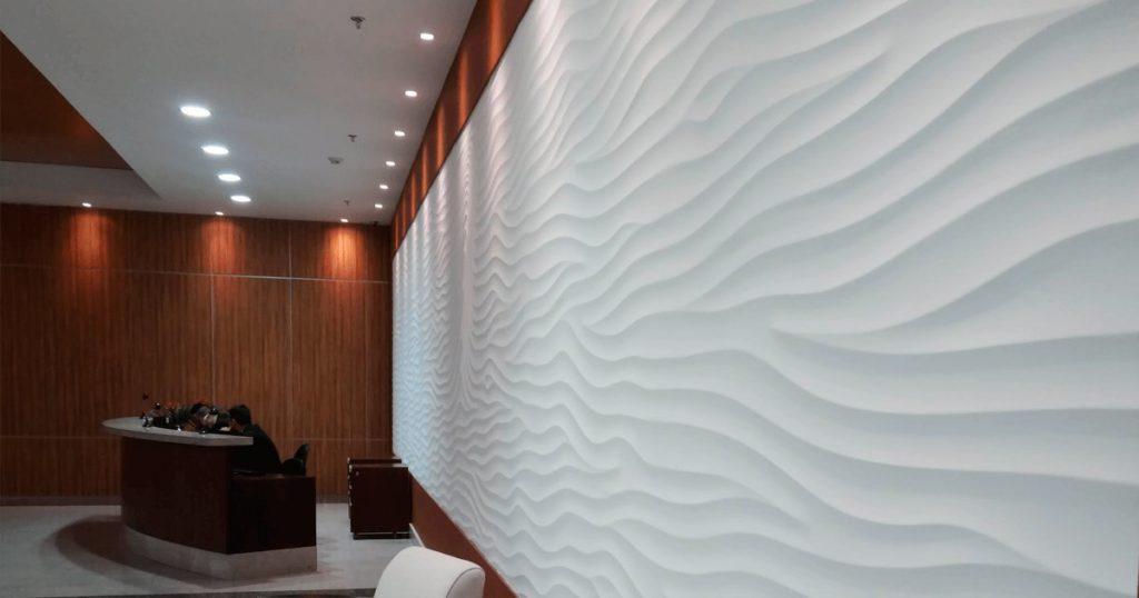 parede de gesso branco ondas