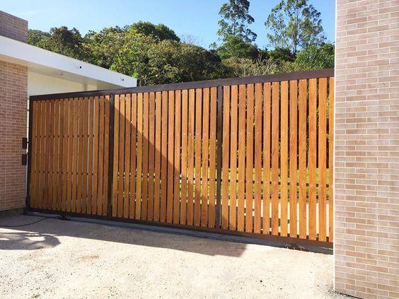 modelo de portão automático de madeira