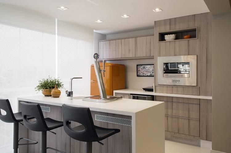 Modelo de churrasqueiras de elétrica na cozinha moderna.