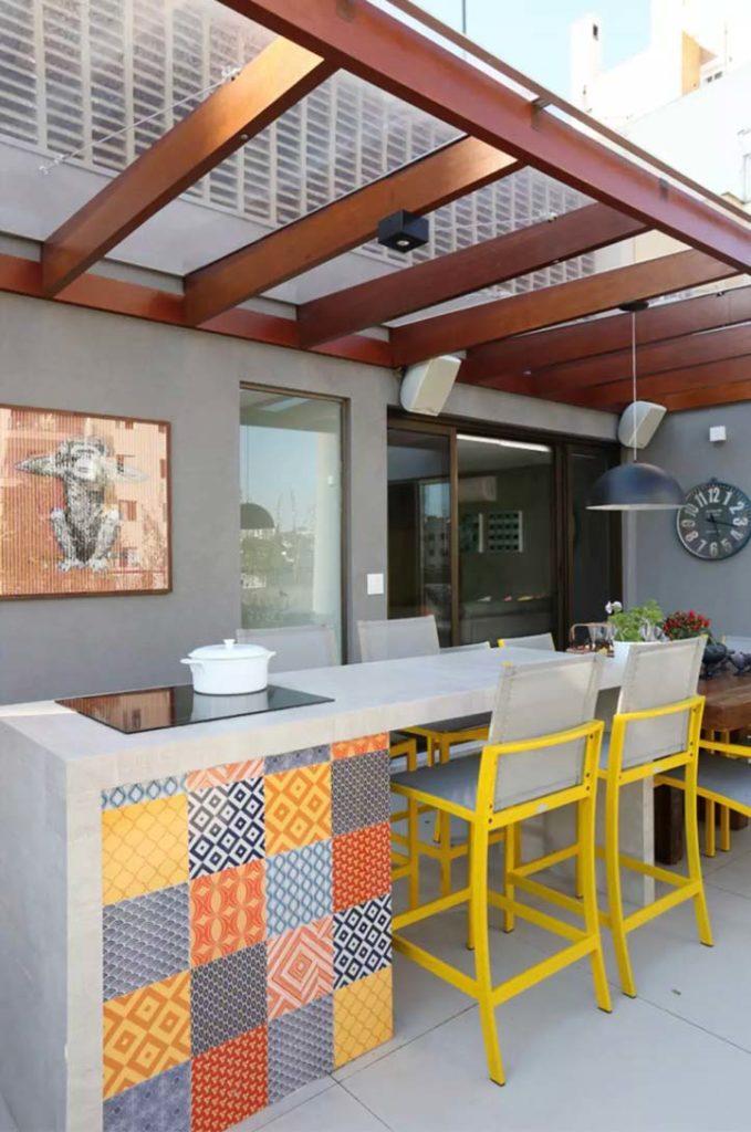 Cozinha gourmer colorida.