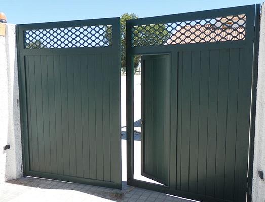 portão de alumínio verde de abrir