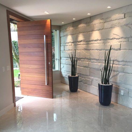 modelos de portas pivotantes de madeira