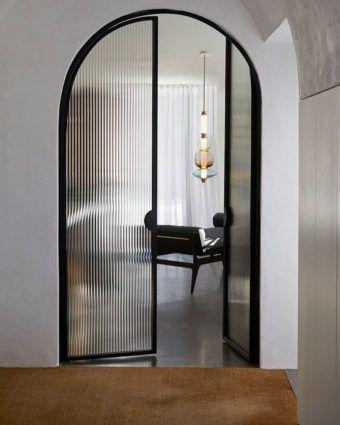 modelos de portas com vidro canelado