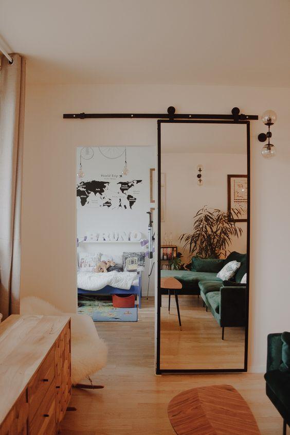porta espelhada