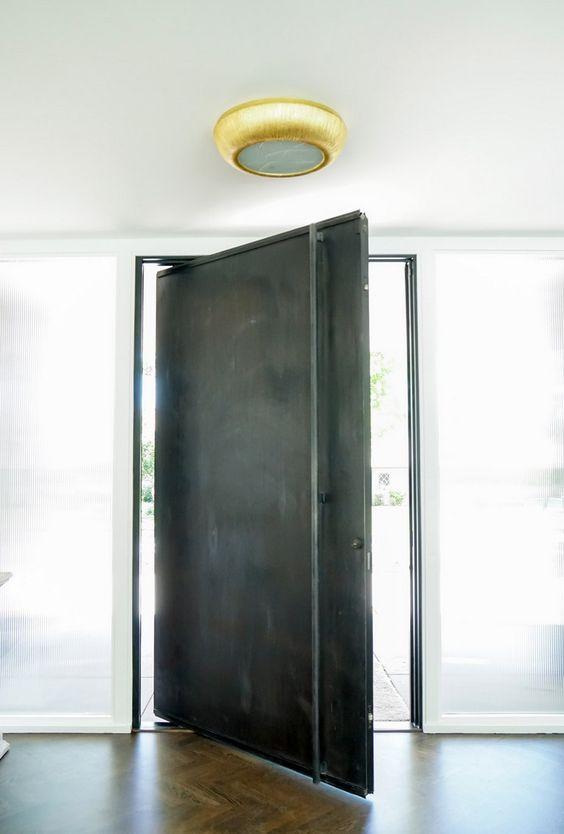 porta de ferro preto