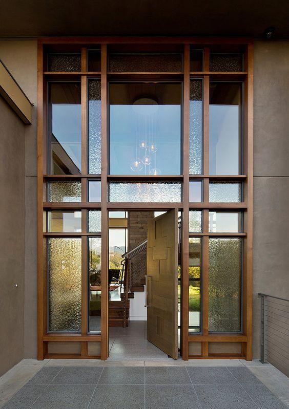 modelo de porta de madeira com vidro.