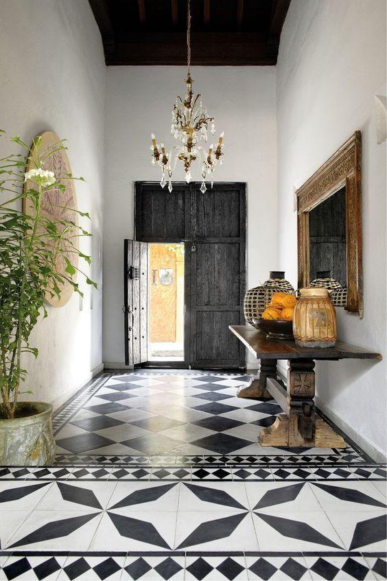 porta rustica de madeira preta