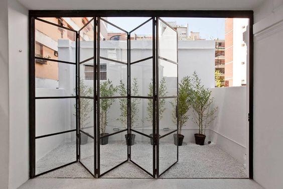 modelos de portas articuladas em vidro