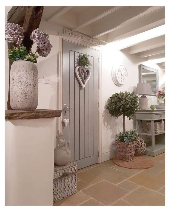 porta de madeira cinza