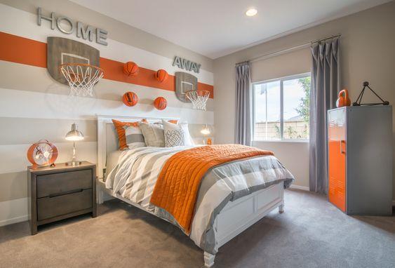 quarto adolescente cinza e laranja basquete