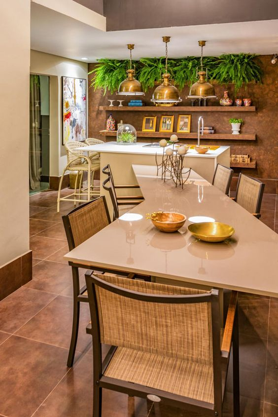Cozinha moderna com mesa geométrica.