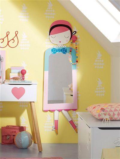 Espelho para quarto de menina.