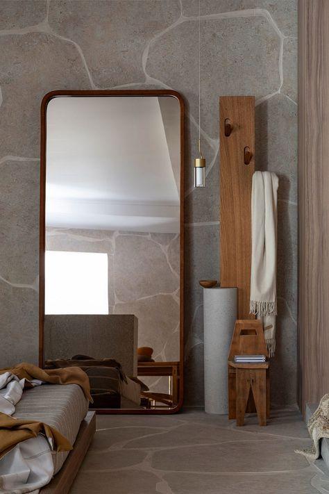 Espelho para quarto no chão.