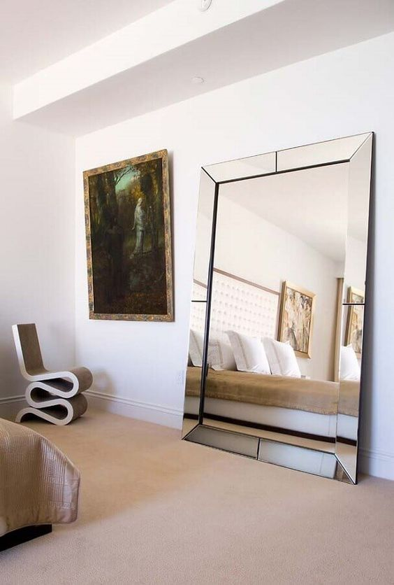 Espelho moderno.