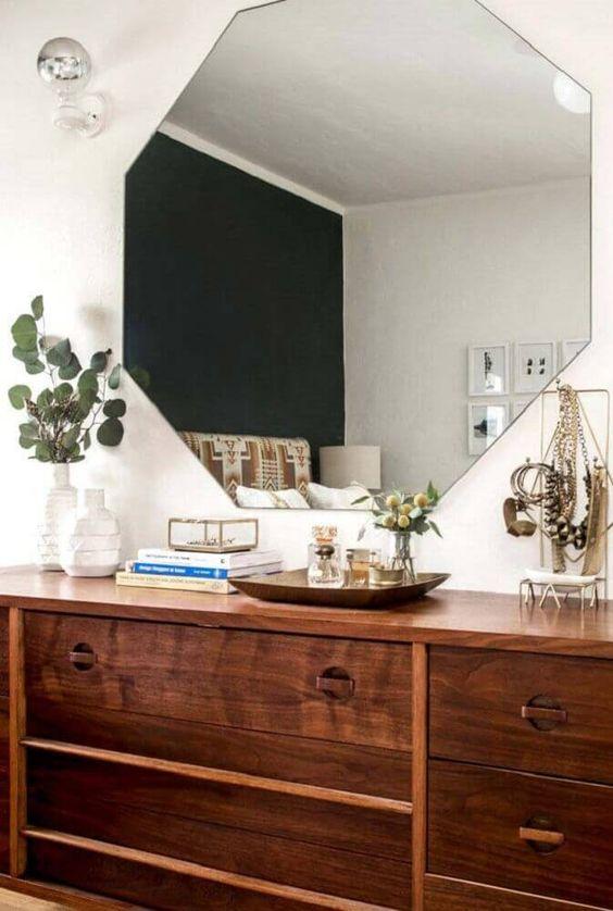 Espelho para quarto com octógono.
