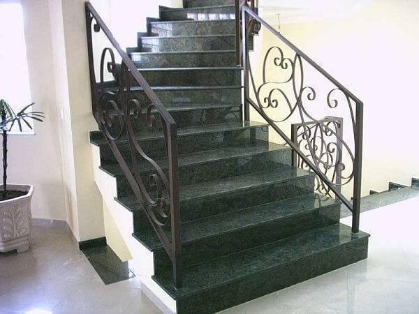 Escada de granito verde ubatuba.