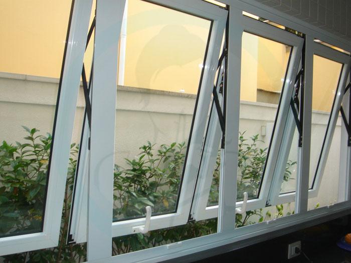 Modelos de janelas projetante grande.