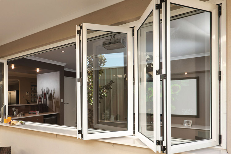 Modelos de janelas sanfonadas com esquadria de alumínio.