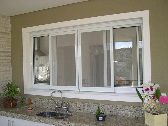 Modelos de janelas de correr com esquadria de PVC.