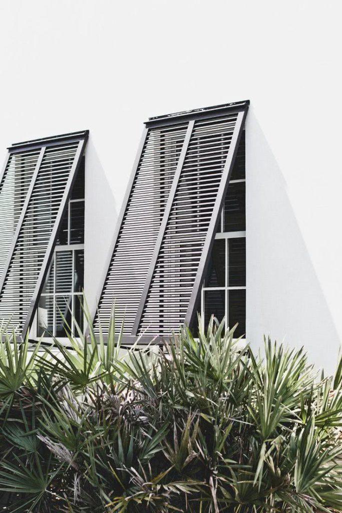 Modelos de janelas tipo guilhotina com quebra sol.